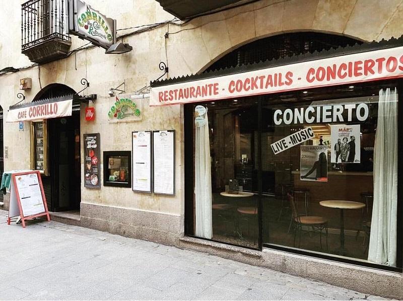 Fachada principal Café Corrillo Salamanca